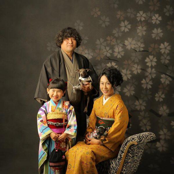 七五三当日や式典で和装ができなくても、写真で和装の家族写真を残しませんか?
