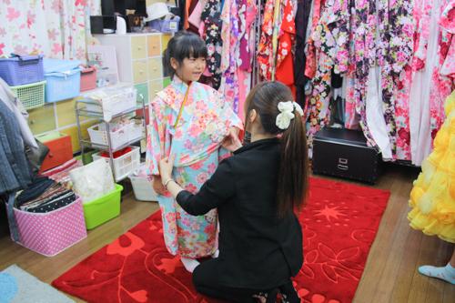 徳島 阿部写真館の七五三衣装試着会で、お気に入りの1着と出会ってください